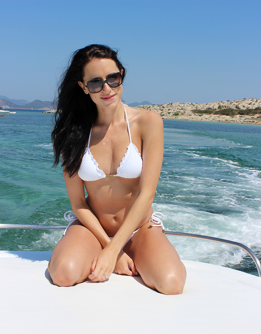 Clutch and Carry on - yacht trip ibiza - white vix bikini - style and travel blog 17