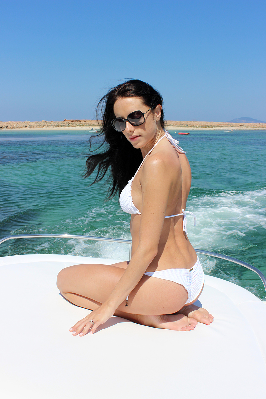 Clutch and Carry on - yacht trip ibiza - white vix bikini - style and travel blog 18