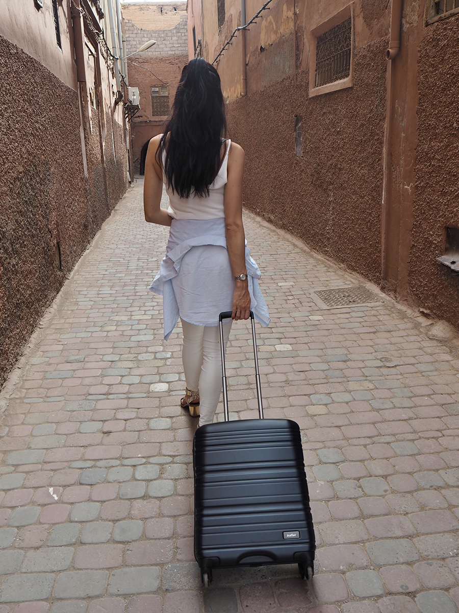 Sabrina-Chakici-Clutch-and-Carry-on-UK-Fashion-blogger-UK-Travel-Blogger-Marrakech-Travel-Diary