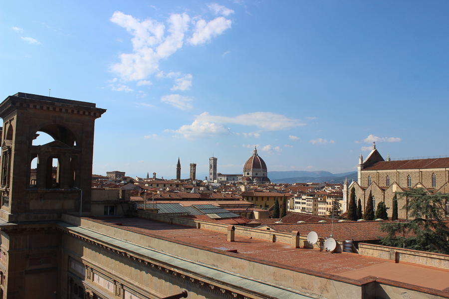 Travel Blog Florence - Clutch and carry on - sabrina chakici - fashion blogger - hotel luchessi-10