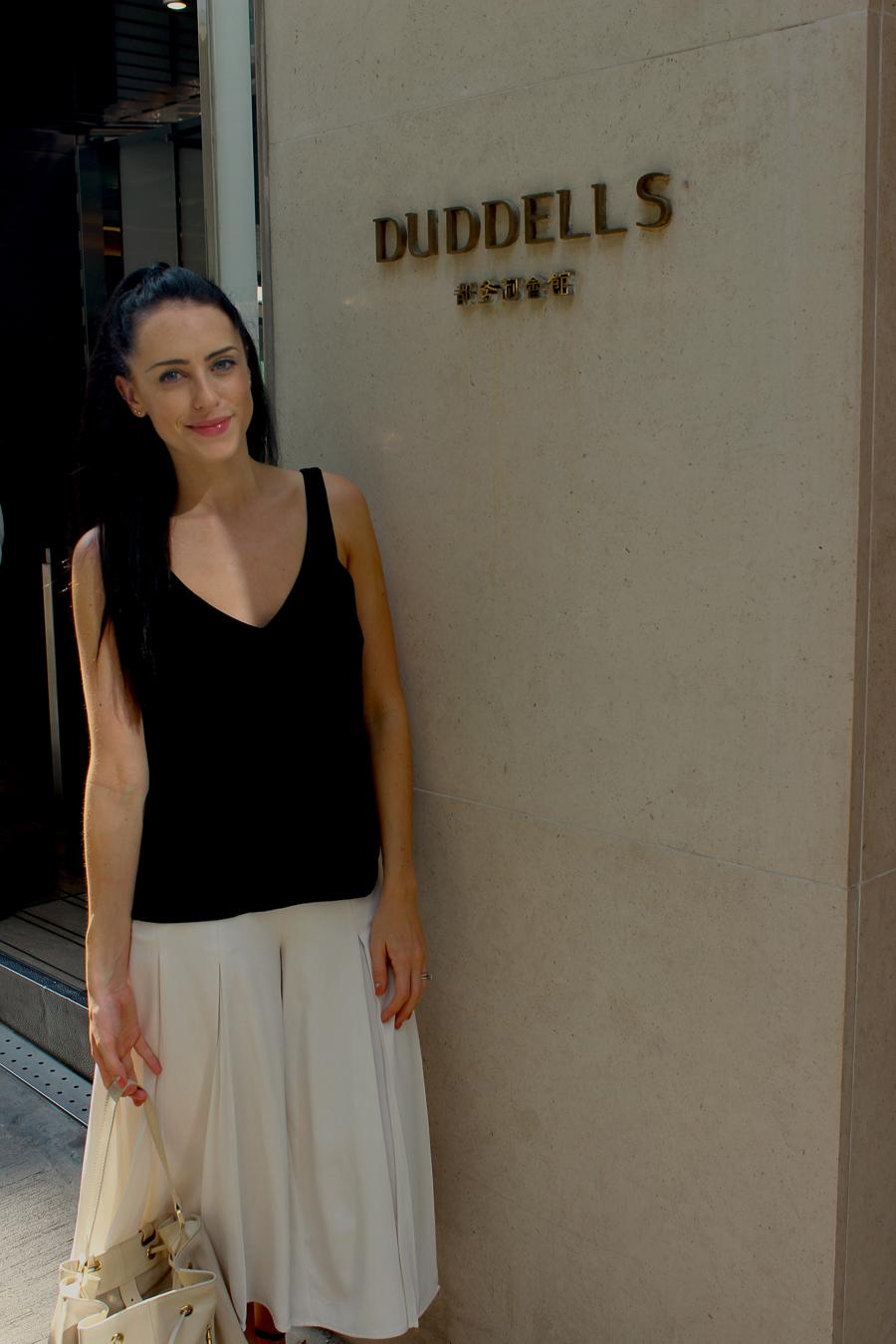 Clutch and carry on - sabrina chakici - conrad stay inspired - conrad hong kong - travel blog hong kong - travel blogger-37
