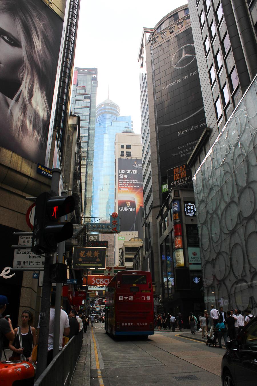 Clutch and carry on - sabrina chakici - conrad stay inspired - conrad hong kong - travel blog hong kong - travel blogger-40