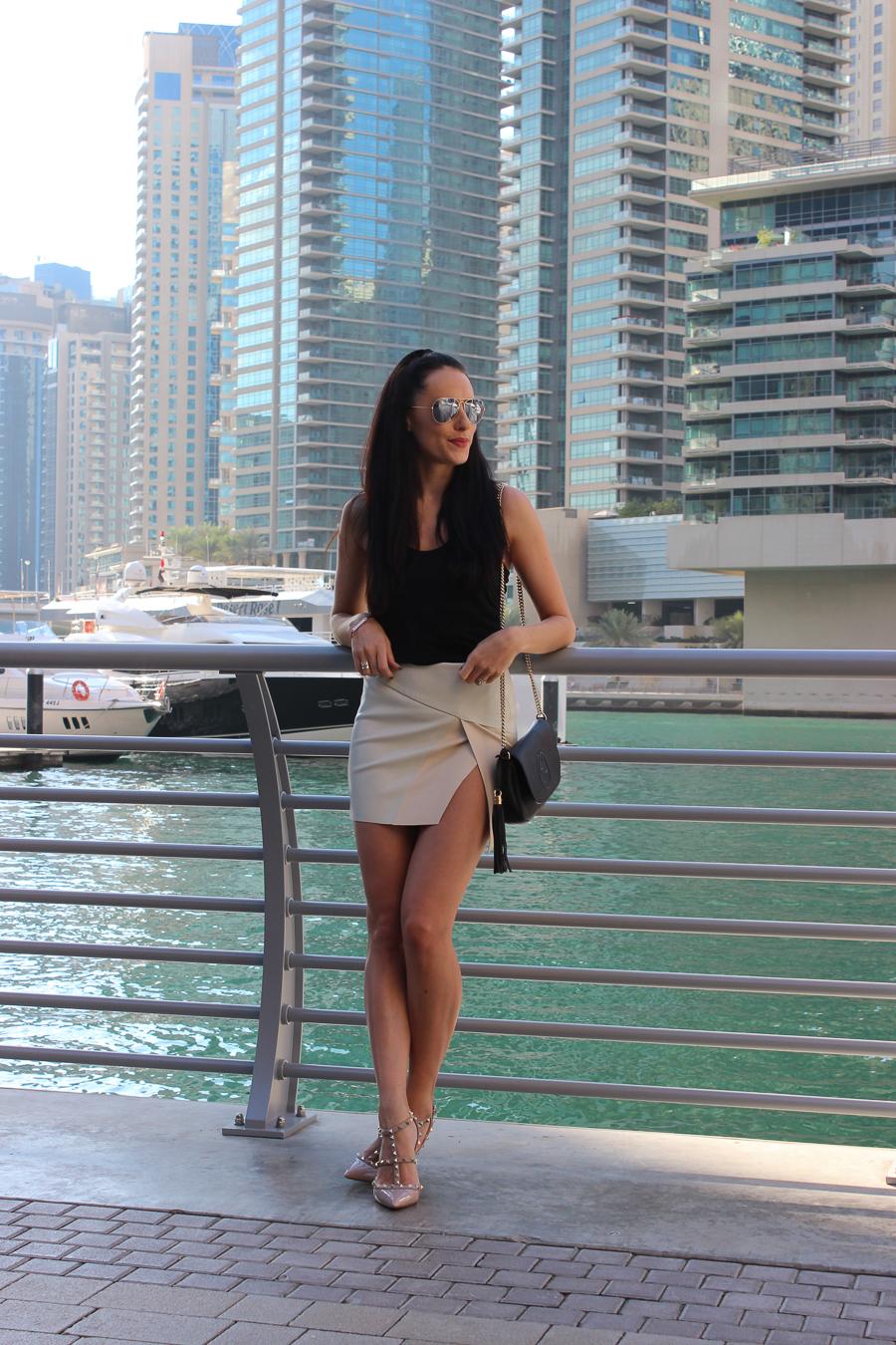 Dubai Marina Clutch Amp Carry On