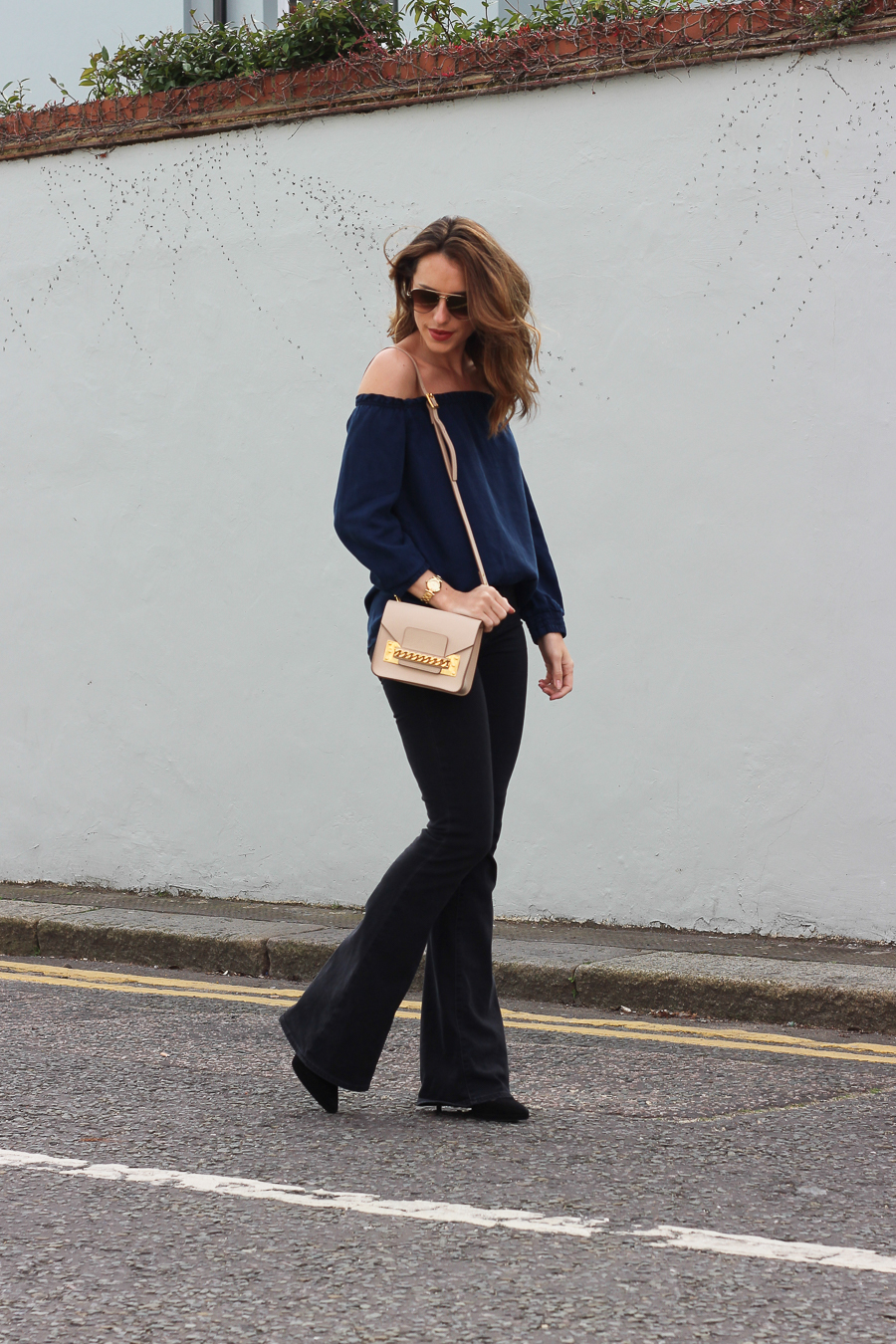 Clutch and carry on - uk fashion blogger - uk travel blogger - sabrina chakici - mango off shoulder top, london street style, sophie hulme oat-24