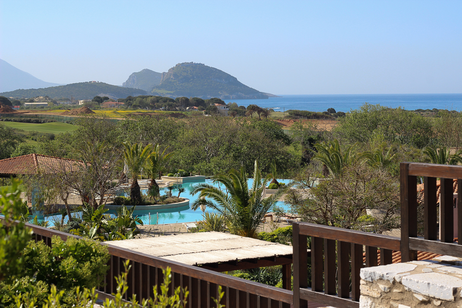 Sabrina Chakici - Clutch and carry on - uk travel blogger, costa navarino, costa navarino blog, london travel blogger, sabrina chakici tblogger-218