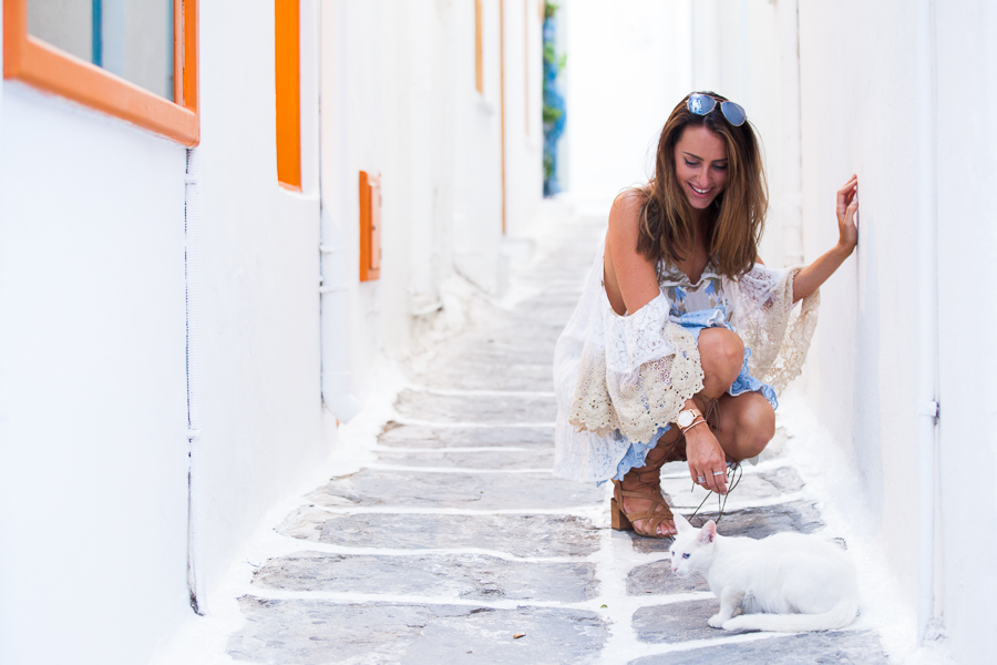 Sabrina Chakici - Clutch and carry on - travel and style blog, travel blogger - Mykonos travel blog - Folli Follie - FFislandhopping-170