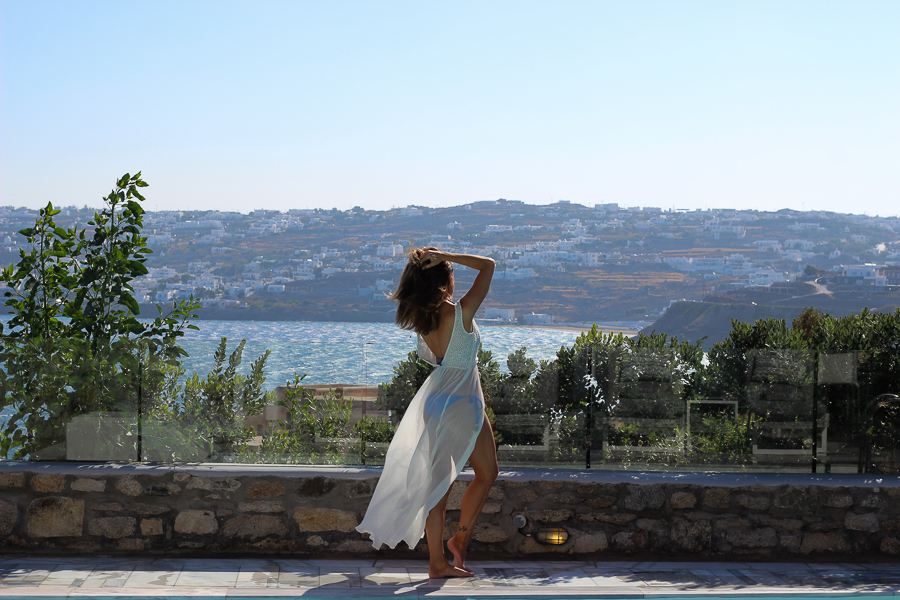 Sabrina Chakici - Clutch and carry on - travel and style blog, travel blogger - Mykonos travel blog - Folli Follie - FFislandhopping-71