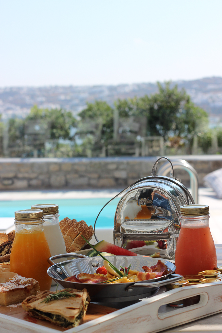 Sabrina Chakici - Clutch and carry on - travel and style blog, travel blogger - Mykonos travel blog - Folli Follie - FFislandhopping-98