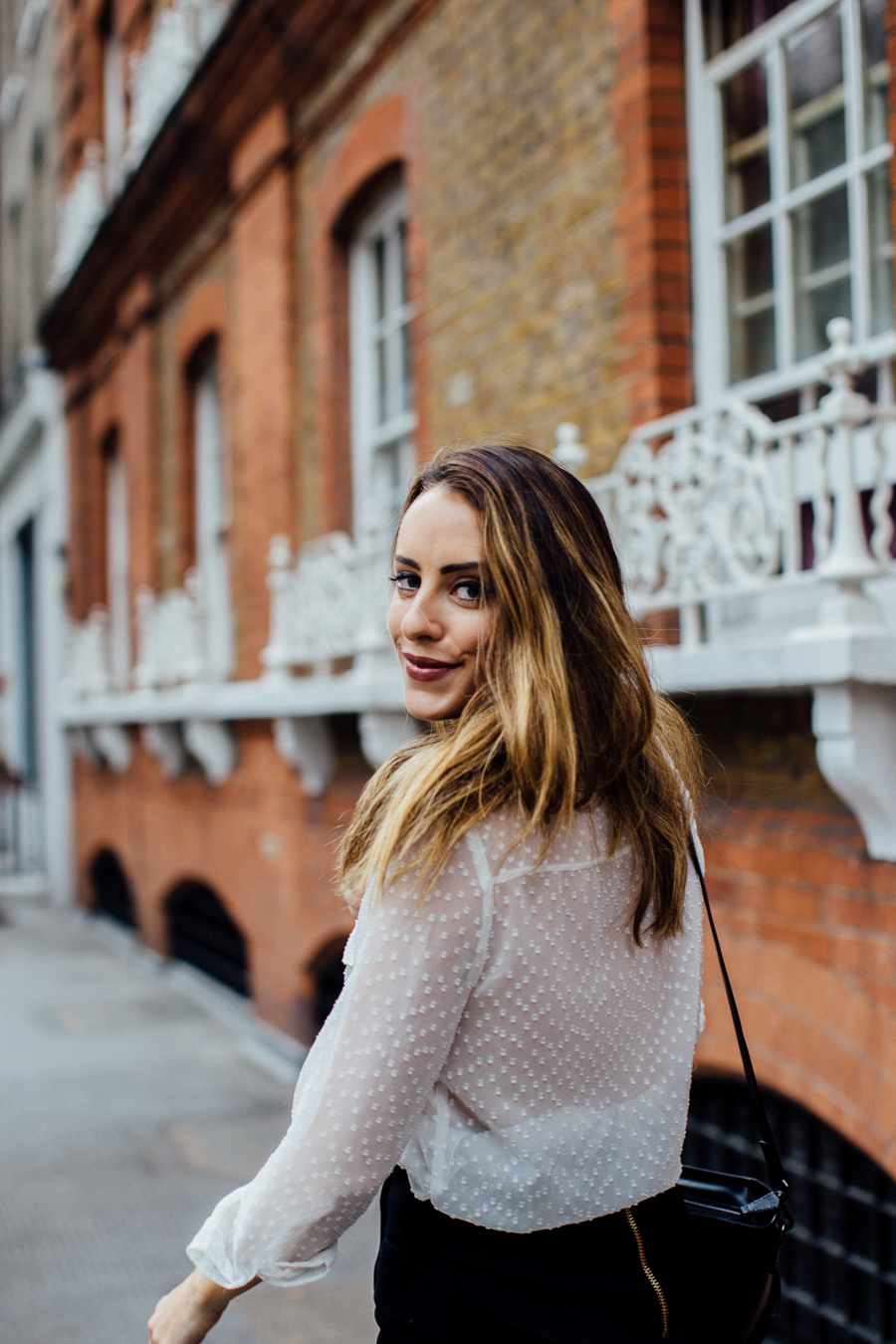 sabrina-chakici-clutch-and-carry-on-clutch-carry-on-uk-travel-blogger-uk-style-blogger-folli-follie-itsallinthedetails-iamfollifollie-24