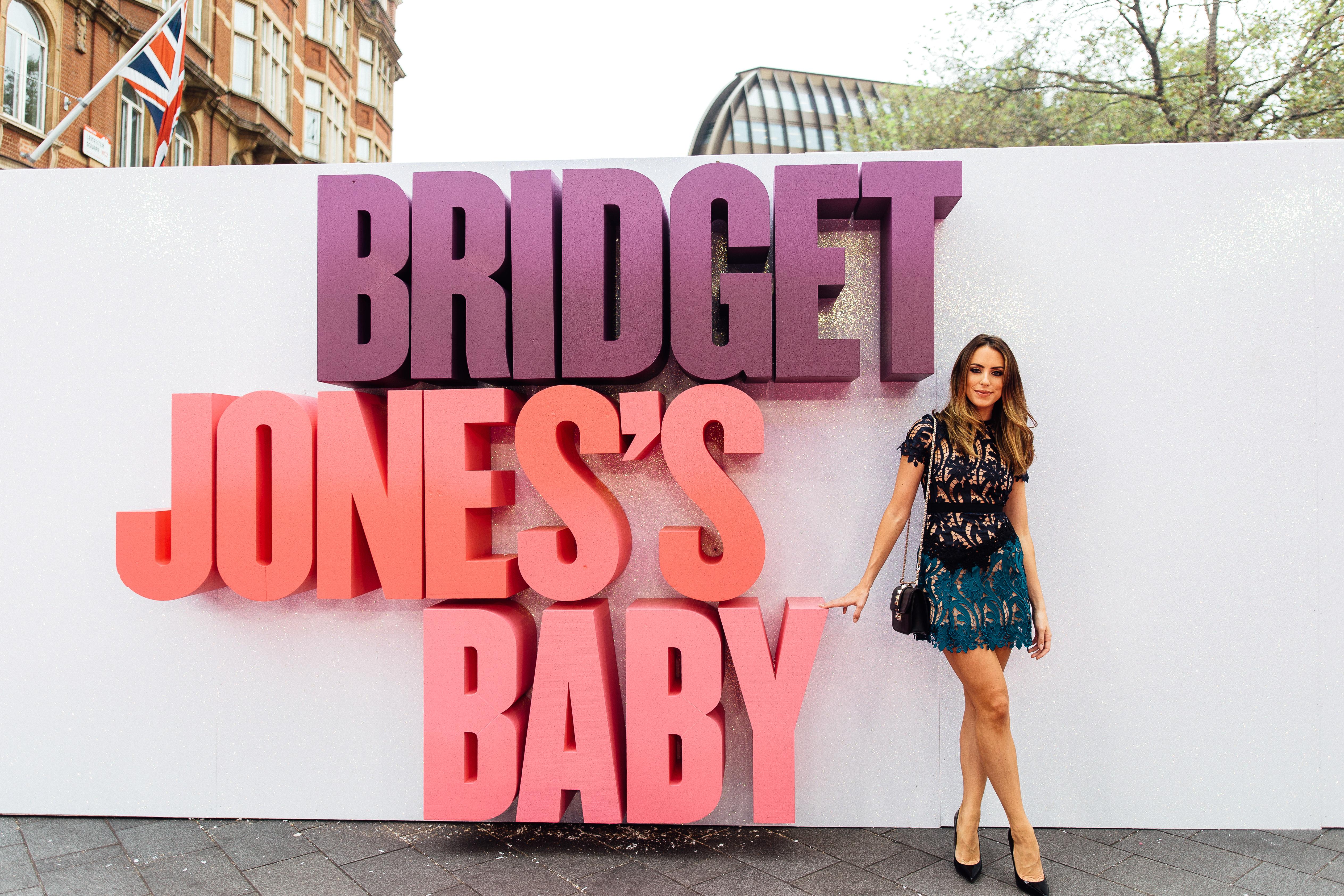 Sabrina Chakici E! UK Ireland - Bridget Jones Baby world premiere-2