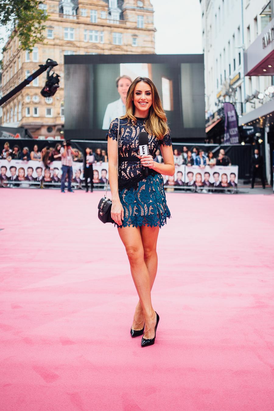 Sabrina Chakici E! UK Ireland  - Bridget Jones Baby world premiere - clutch and carry on blog - E! Host UK & Ireland_-13