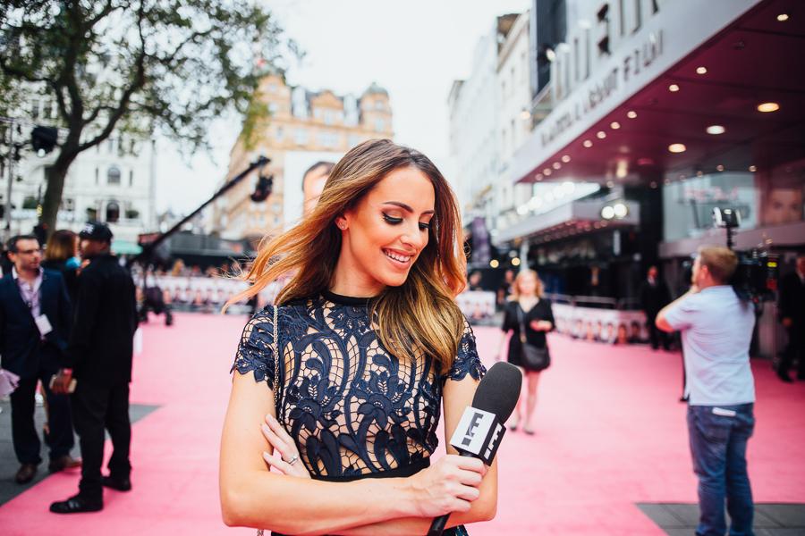 Sabrina Chakici E! UK Ireland  - Bridget Jones Baby world premiere - clutch and carry on blog - E! Host UK & Ireland_-14