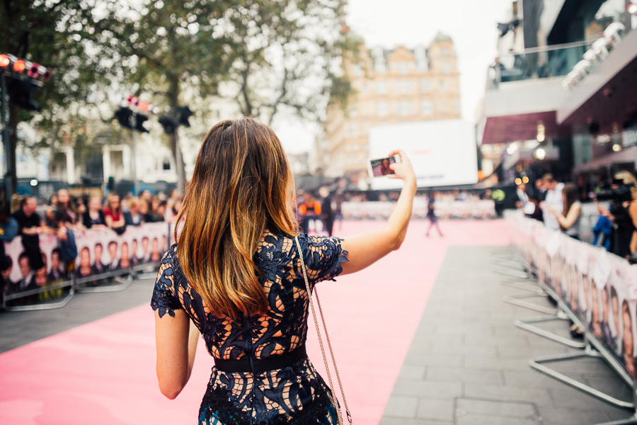 Sabrina Chakici E! UK Ireland - Bridget Jones Baby world premiere - clutch and carry on blog - E! Host UK & Ireland_-2
