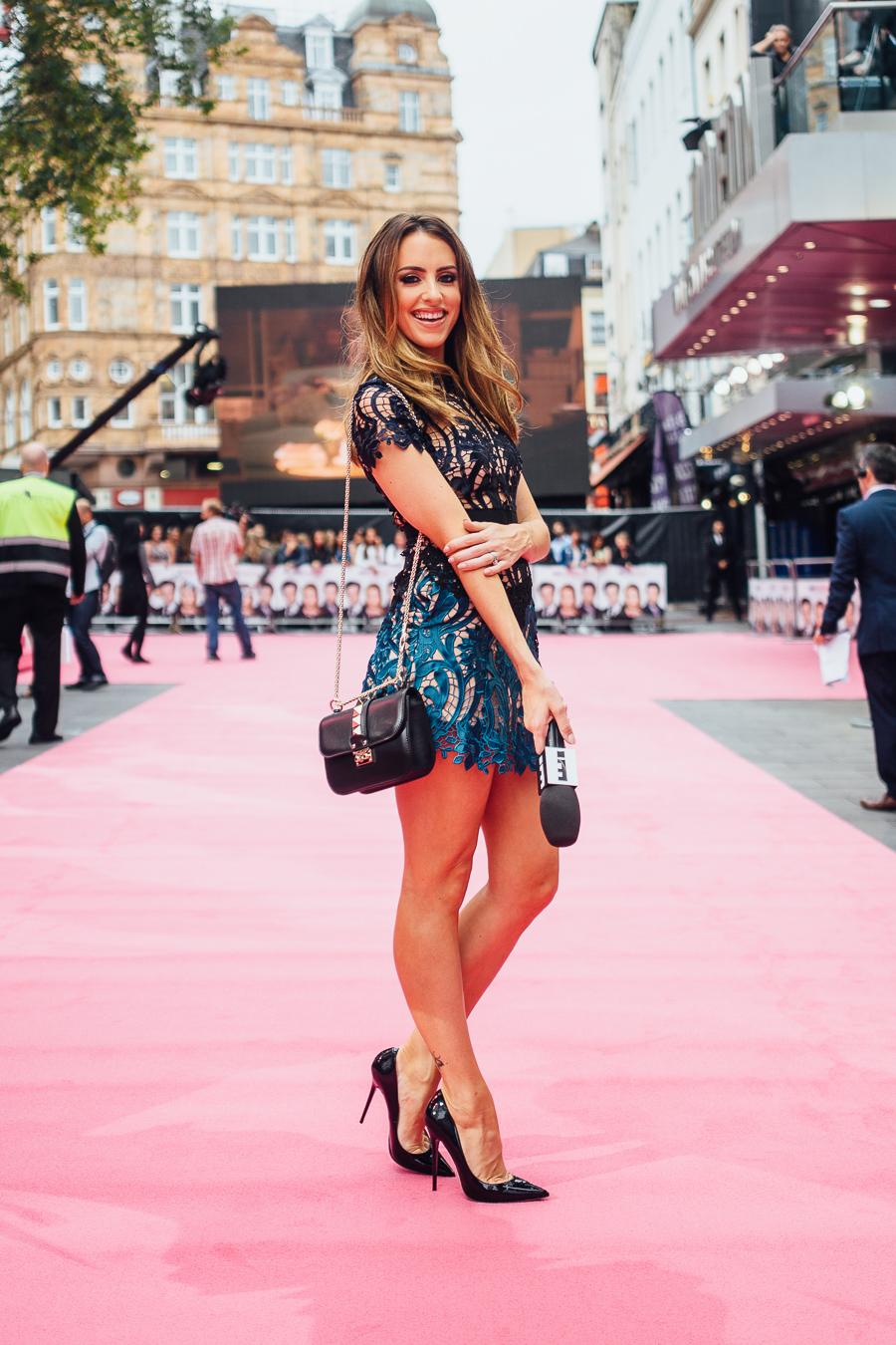Sabrina Chakici E! UK Ireland - Bridget Jones Baby world premiere - clutch and carry on blog - E! Host UK & Ireland_-7