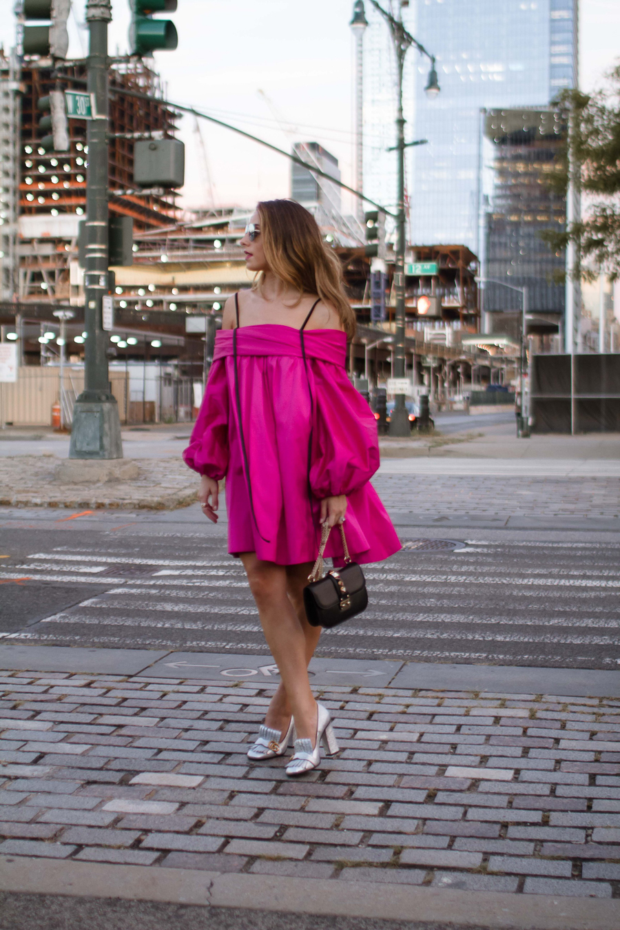 sabrina-chakici-clutch-and-carry-on-clutch-carry-on-uk-travel-blogger-nyfw-isa-arfen-pink-ress-gucci-silver-shoes-net-a-porter-helicopter-5