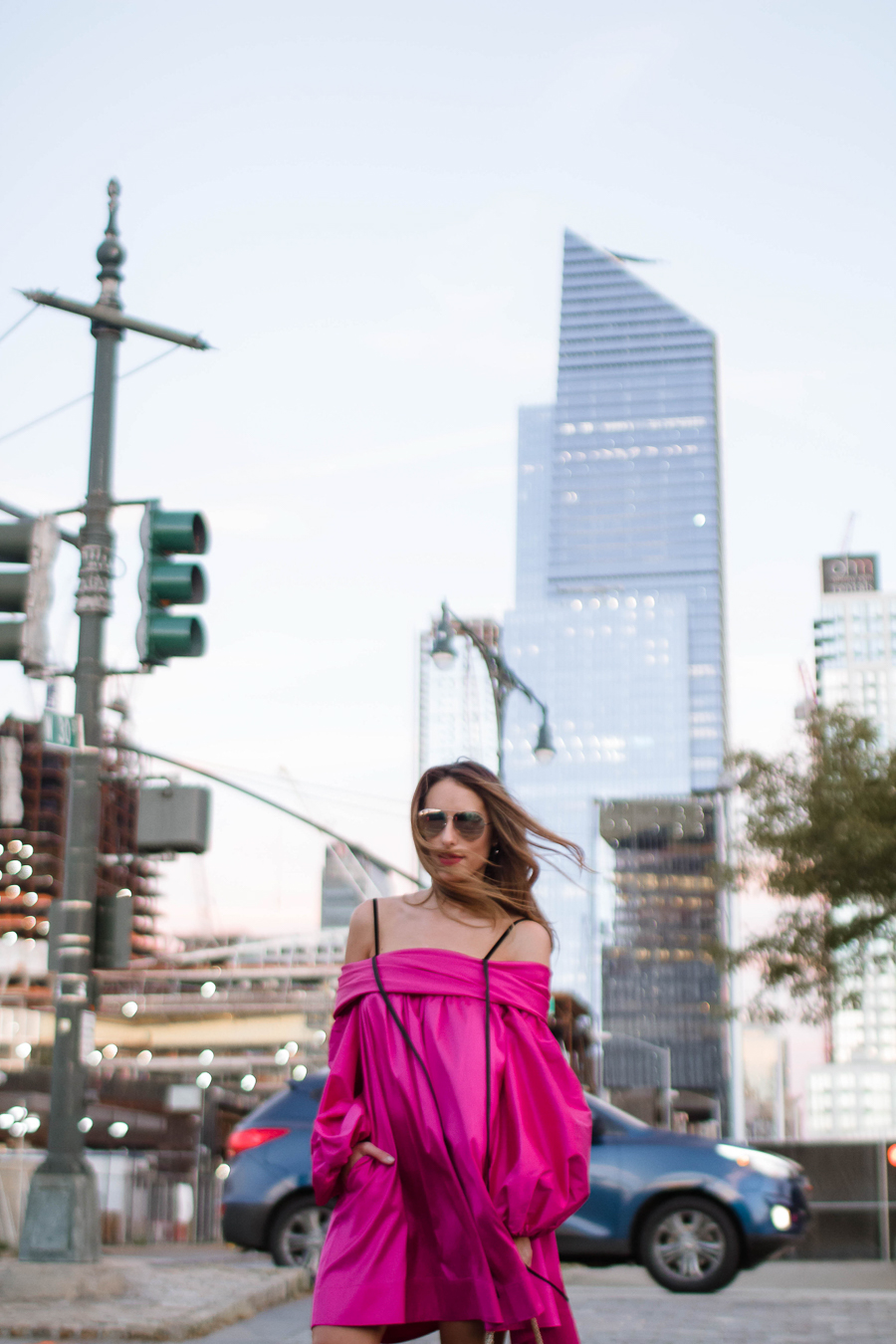 sabrina-chakici-clutch-and-carry-on-clutch-carry-on-uk-travel-blogger-nyfw-isa-arfen-pink-ress-gucci-silver-shoes-net-a-porter-helicopter-7
