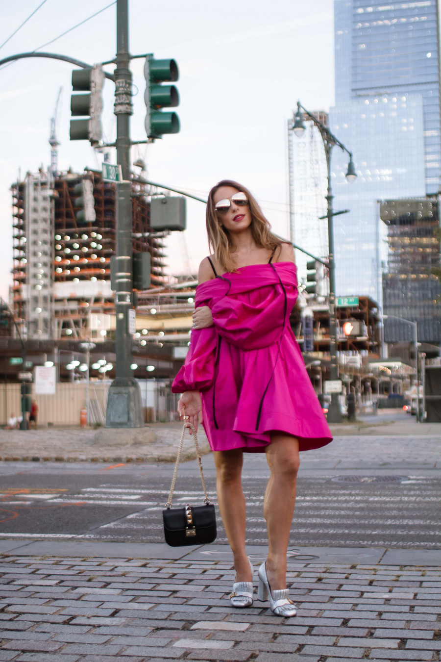 sabrina-chakici-clutch-and-carry-on-clutch-carry-on-uk-travel-blogger-nyfw-isa-arfen-pink-ress-gucci-silver-shoes-net-a-porter-helicopter-9