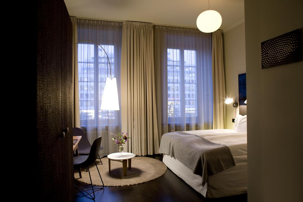 Clutch and carry on nobis Hotel stockholm