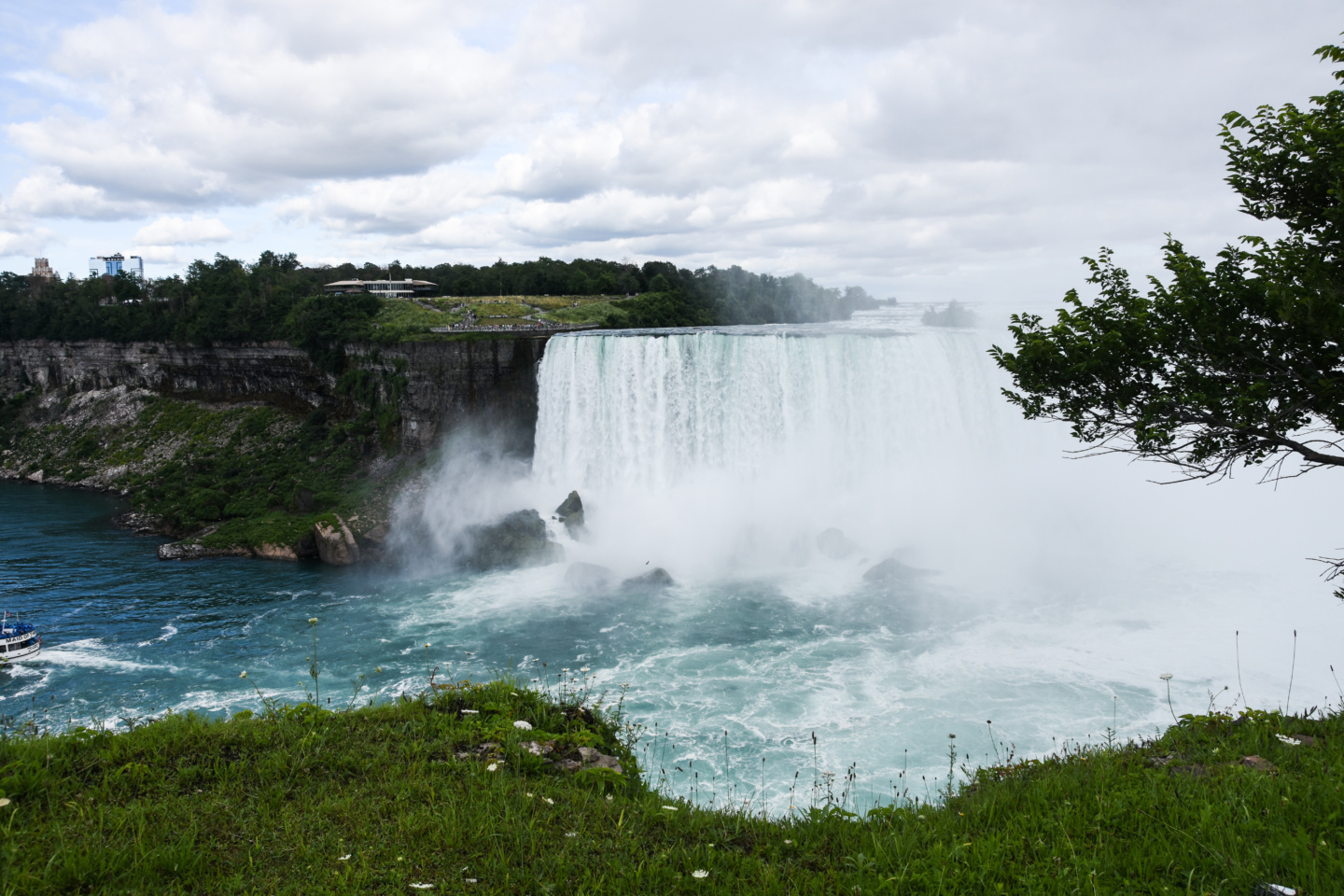best way to see niagara falls, ontario
